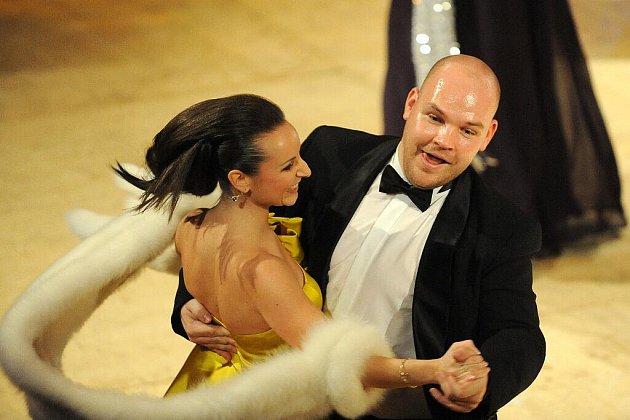 Třetí ročník reprezentačního plesu města Brna nazvaný Ples před oponu se opět konal v Mahelově divadle.