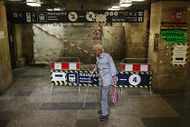 Správa železní dopravní cesty uzavřela z důvodu rekonstrukce na brněnském hlavním nádraží podchod na nástupiště z hlavní haly.