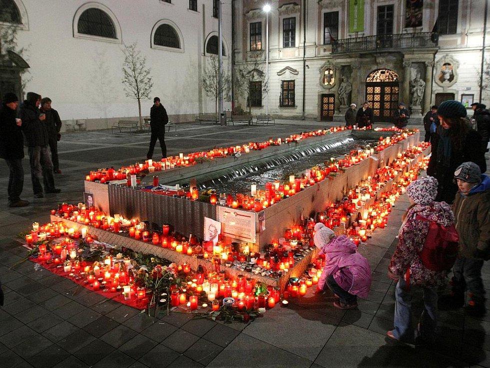 Pieta za zesnulého exprezidenta Václava Havla.