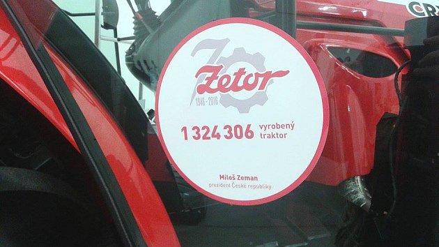 Traktor čeká na prezidentův podpis.
