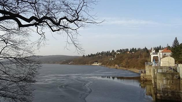 Brněnská přehrada láká k výletům v každé roční době.