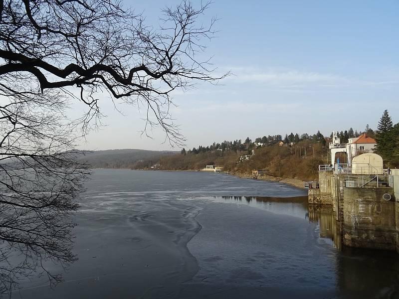 Brněnská přehrada na konci února.