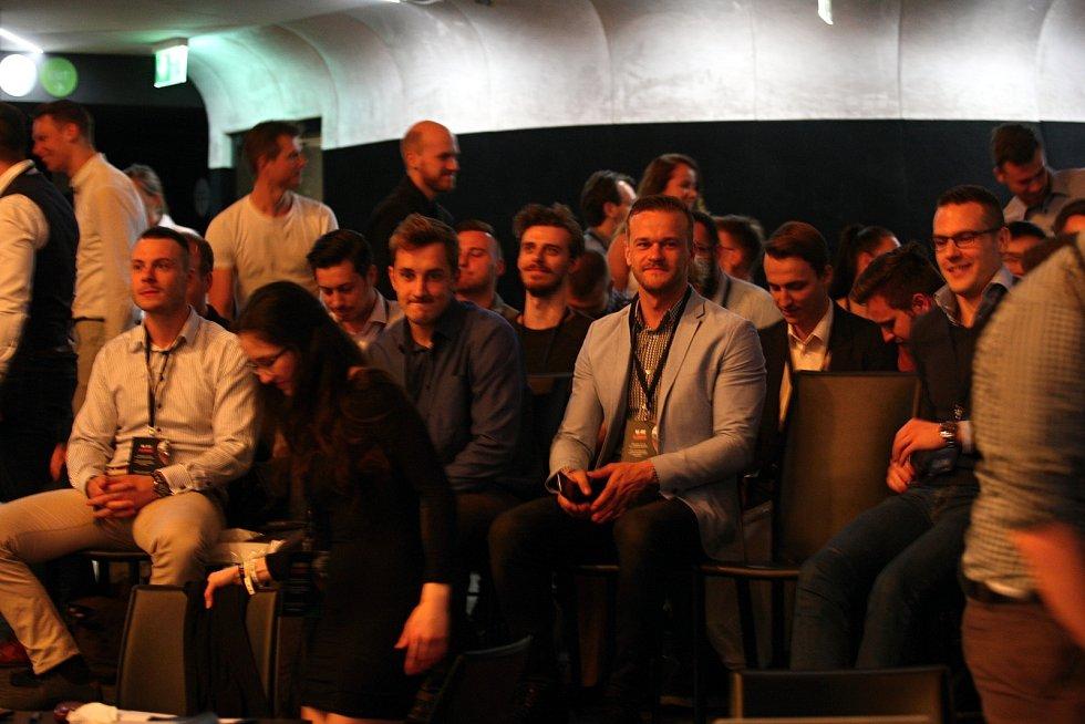 Na konferenci Glorious v brněnském Sono Centru přednášel také neúspěšný prezidentský kandidát Jiří Drahoš nebo jeden z nejbohatších Čechů Dalibor Dědek.