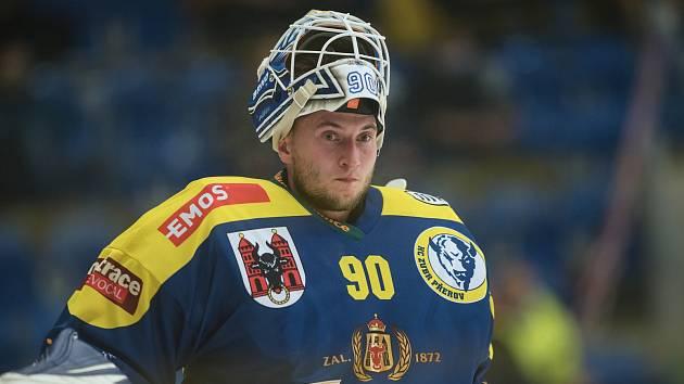 Hokejisté Přerova (v modrém) doma porazili Porubu. Ondřej Kacetl