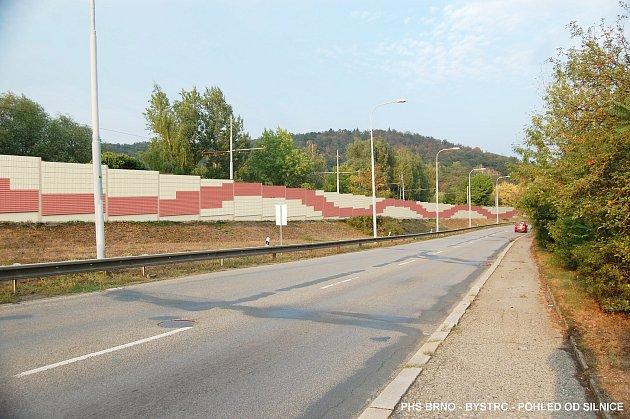 Protihlukovou stěnu vBystrci, která tam stojí od roku 1984, opravují.