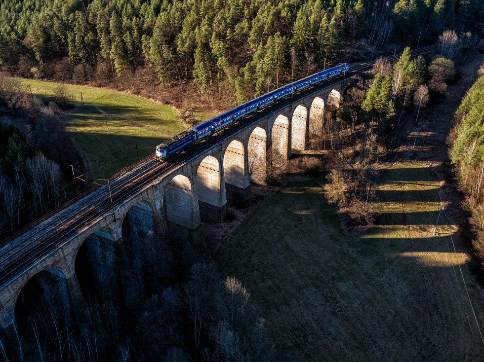 Železniční most Kutiny na Brněnsku.