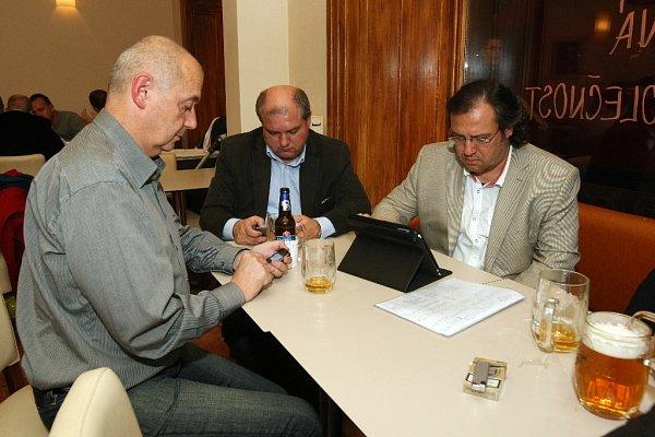 Volební štáb ODS. Jeho členové slavit nemohli.