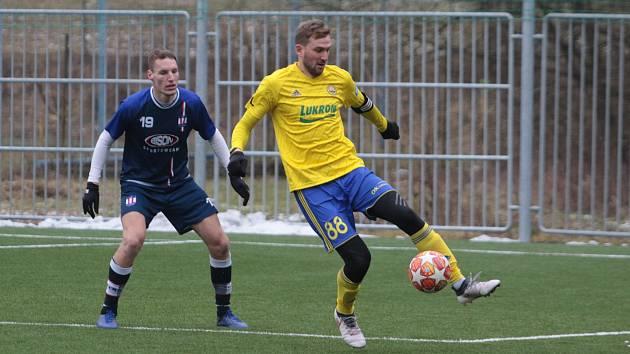 Fotbalisté Zlína (ve žlutých) a Líšně se naposledy střetli loni v lednu, kdy Brňané vyhráli 1:0.