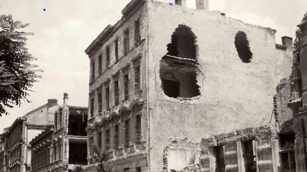75 let od pekla v Brně: z mlhy padaly americké bomby, původně mířily do Polska