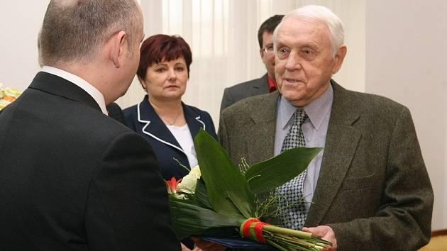 Ivo Mrázek dostal od hejtmana Michala Haška Cenu Jihomoravského kraje za celoživotní přínos v oblasti sportu.