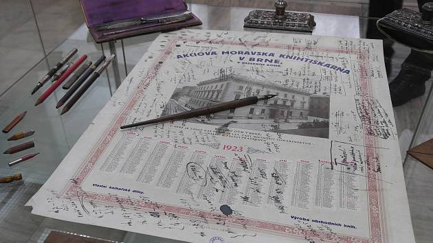 V Moravském zemském muzeu začíná výstava osobních předmětů skladatele Leoše Janáčka.