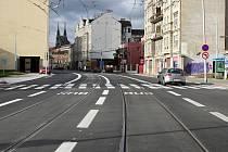 Na opravě první části ulice pracovali dělníci v roce 2017. Tehdy byl řidičům kvůli pracím uzavřený úsek od Koliště po Špitálku.