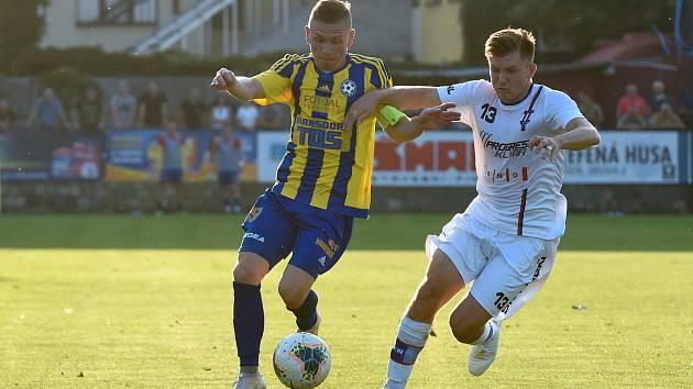 12.9.2020 - domácí SK Líšeň v bílém (Milan Lutonský) proti FK Varnsdorf