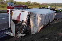 Dopravní nehoda kamionu na 174. kilometru D1 u Domašova před osmou hodinou ráno přerušila provoz z Brna na Prahu.