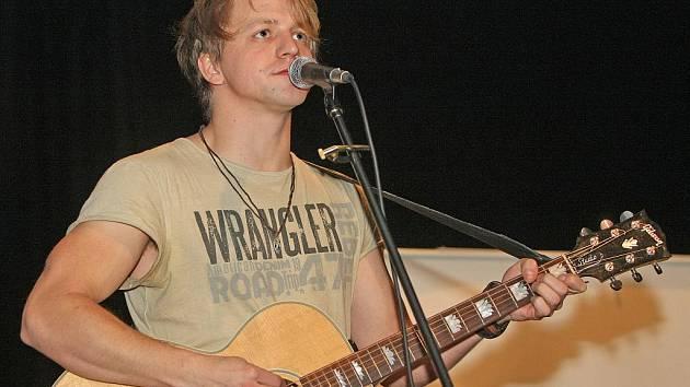 Písničkář a herec Tomáš Klus.