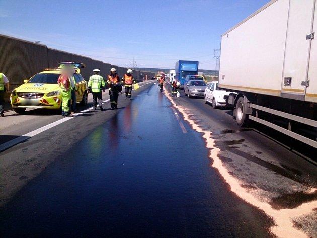 Nehoda u Ostrovačic zablokovala dálnici.