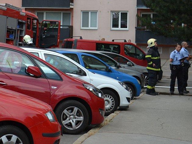 K požáru v brněnské městské části Líšeň vyjížděly v sobotu odpoledne tři jednotky hasičů. V ulici Josefy Faimonové hořel byt.