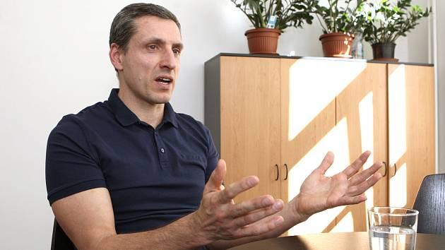 Rozhovor s ekonomem Liborem Žídkem na téma koronavirus.