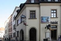 V pasáži Dům Dominik je nyní pouze knihkupectví s antikvariátem a hudební klub, většina obchodů tam skončila po loňské velké rekonstrukci.