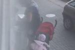 Před očima dítěte sobě a své známé píchla heroin.