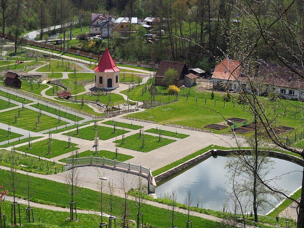 Vrchnostenská zahrada oetvře na konci května.