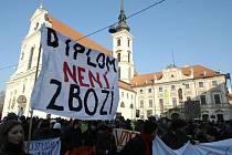 Studenti vysokých škol v Brně prostestovali proti školským reformám.