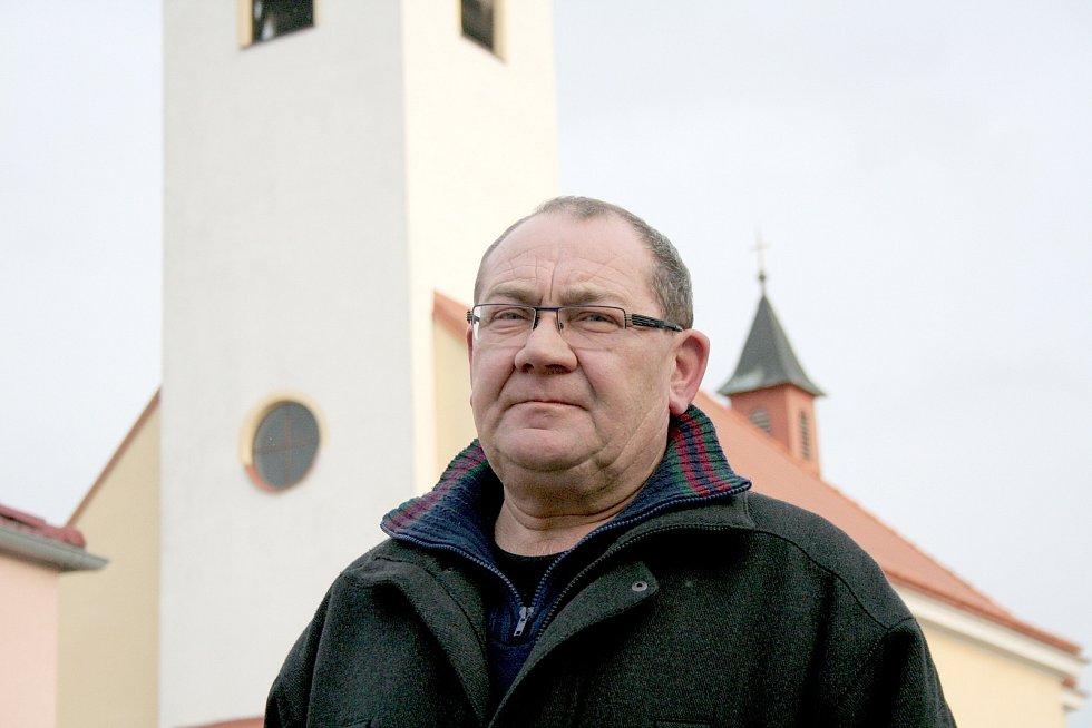 Jedním ze tří nejdéle sloužících starostů na Znojemsku je Lubomír Mlejnek v Kuchařovicích.