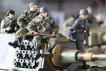 Výstava modelů tanků a jiných válečných strojů v Technickém muzeu v Brně.