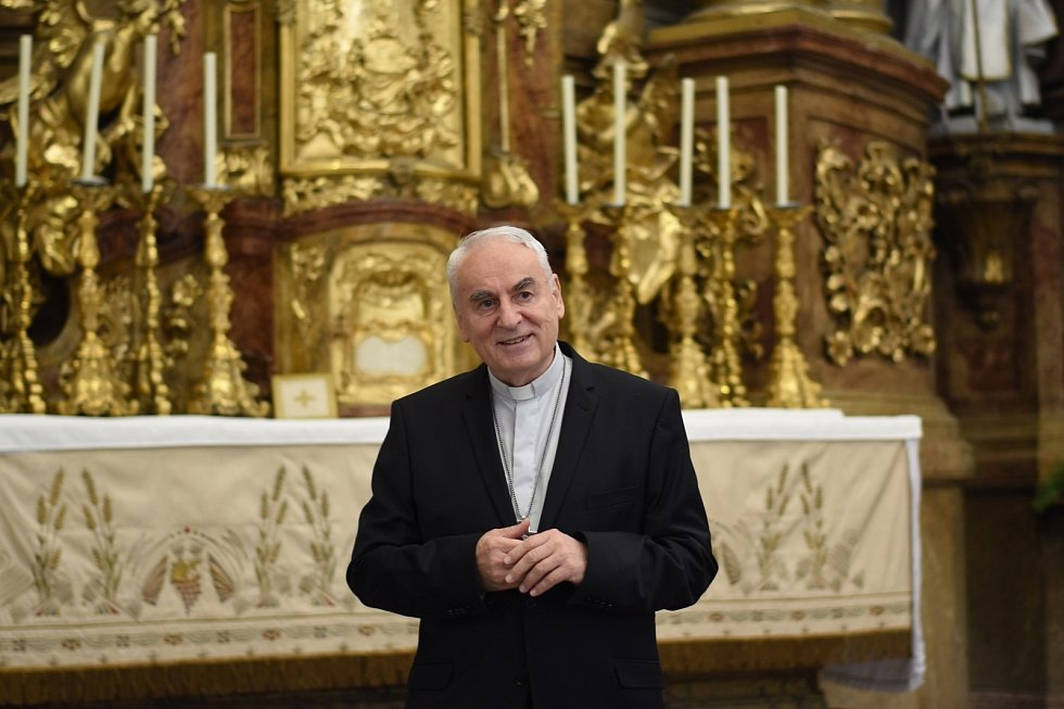 Konference v brněnském kostele svatého Michaela archanděla ohledně Noci kostelů.