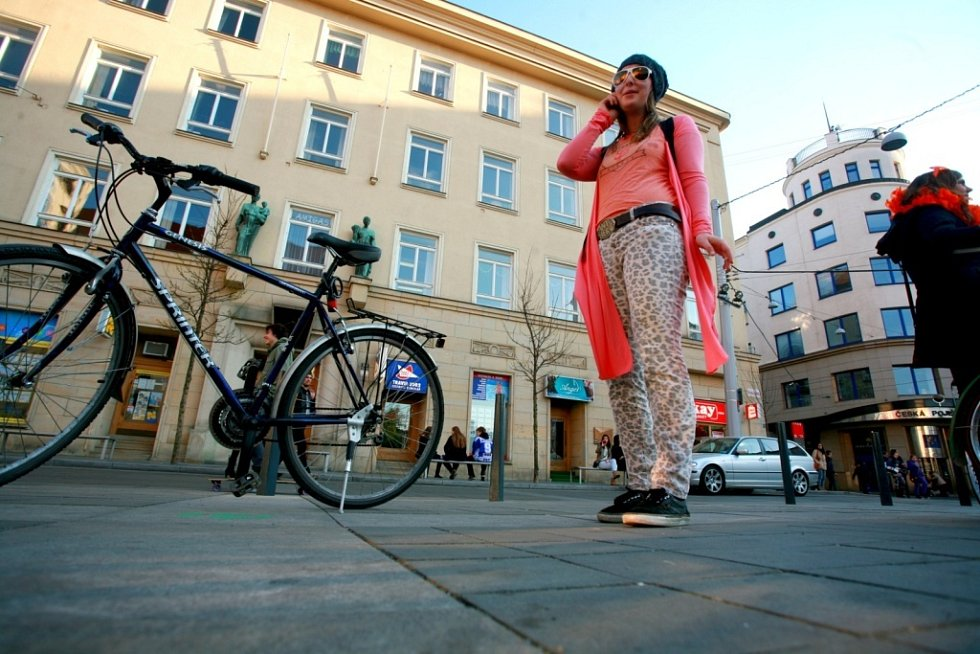 S heslem Udělejme z Brna Amsterdam ve čtvrtek vyjely asi tři stovky cyklistů z Moravského náměstí od kina Scala.