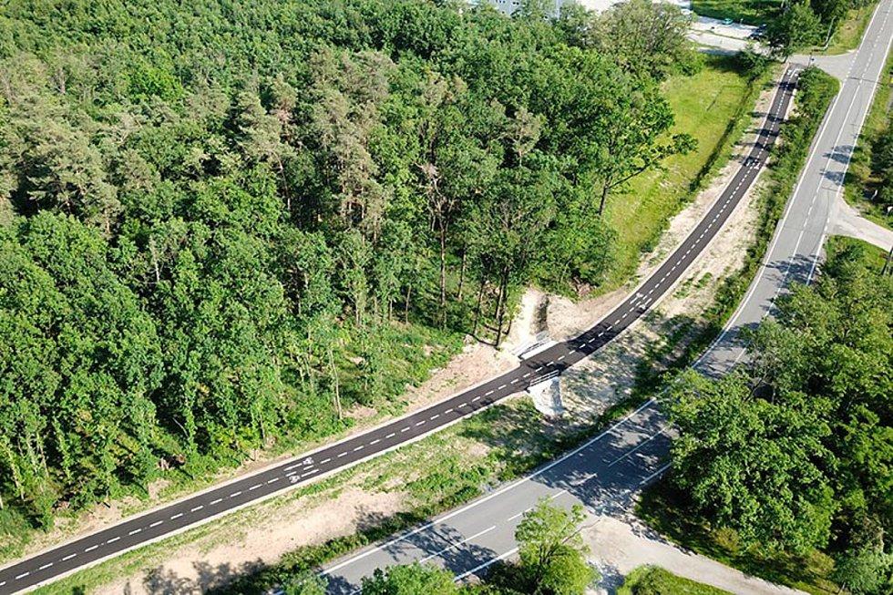 Cyklostezka mezi Hodonínem a Ratíškovicemi, 3. místo v kategorii Dopravní a inženýrské stavby.