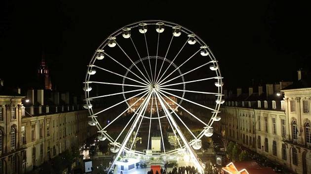 Adventní trhy na Moravském náměstí oživí vyhlídkové kolo