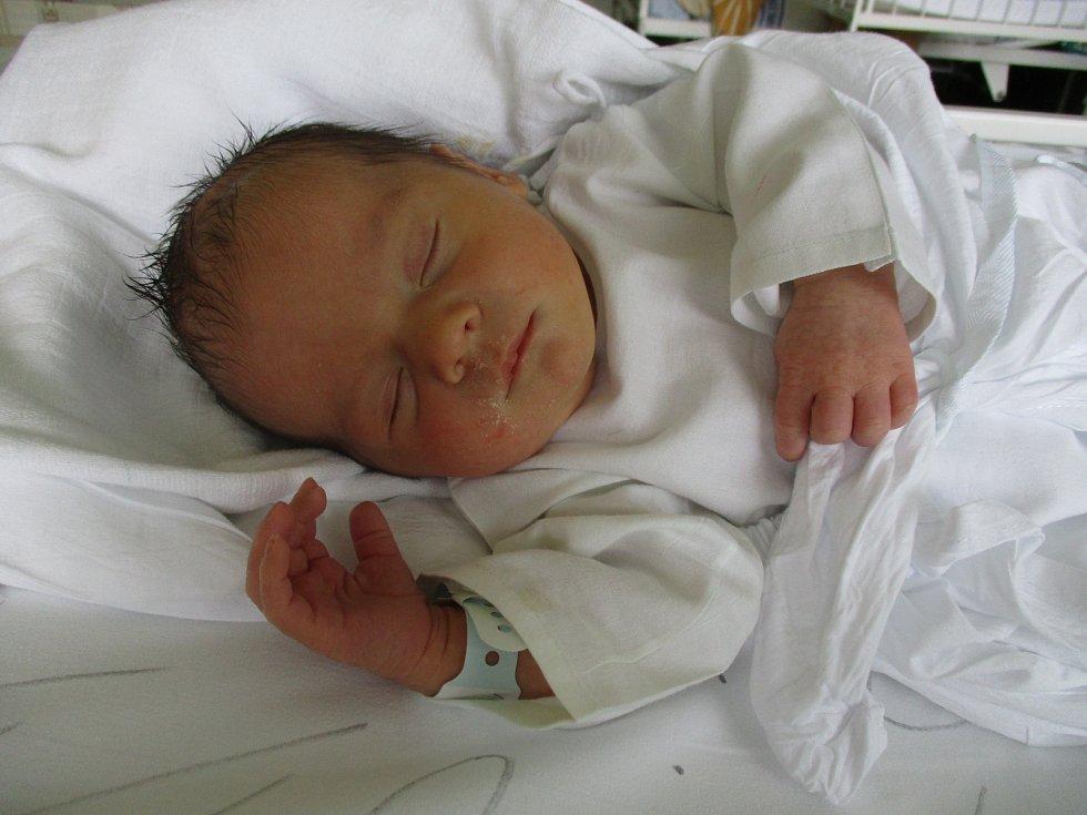 Benjamin Uher, Lanžhot, 8. září 2020, 0.45, Nemocnice Břeclav, 51 centimetrů, 3280 gramů