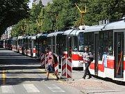 Dvacetiminutové zpoždění nabraly kvůli nehodě po druhé hodině odpoledne tramvajové linky číslo 1, 6 a P6 v brněnské Štefánikově ulici.