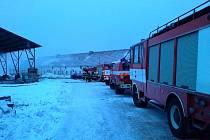 Požár seníku v Babicích nad Svitavou hasilo 12 hasičských jednotek.