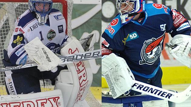 Úterní extrémně důležitý souboj o elitní šestku bude i soubojem dvou slovenských gólmanů - Marka Čiliaka (vlevo) z Komety a Jána Laca z Pirátů.