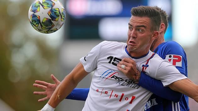 Brněnský fotbalový trend: netradiční rozestavení se třemi stopery