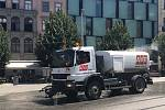 Do centra Brna v úterý poprvé v letošním létě zamířily kropící vozy.