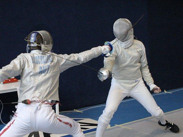 Dva Rakušané si to rozdali ve finále mezinárodního šermířského turnaje Sokol Cup, jenž se 48 muži a 22 ženami byl v počtu účastníků rekordní.
