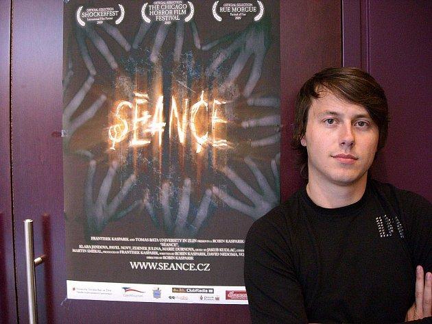 Režisér Robin Kašpařík získal s filmem Seance ceny v Indianě i v Kapském městě.