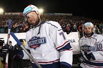 Historický hokejový zápas za Lužánkami sledovalo rekordních 21 a půl tisíce diváků. Předcházel mu koncert skupiny Kabát.