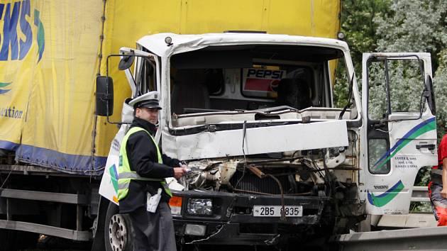 Páteční havárie na D1 ochromily dopravu.