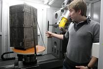 Nový nanotomograf v laboratořích CEITEC.