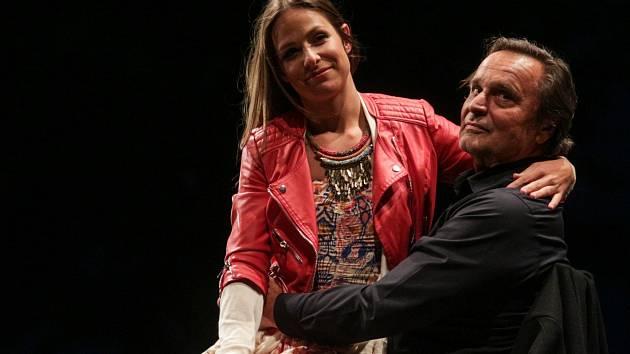 Letní shakespearovské slavnosti v Brně. Na nádvoří hradu Špilberka nabídl letos divadelní festival celkem pět titulů v patnácti reprízách. Jako poslední tragédii Othello.