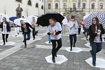 Vystoupením pod širým nebem zahájili čtvrtý ročník Mezinárodního stepařského festivalu.
