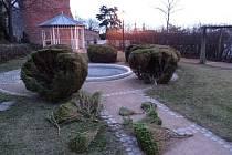 Vandalové řádili v Zahradě pod hradbami.