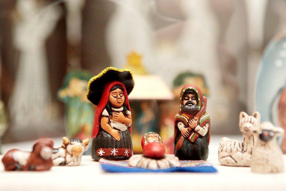 Více než sedmdesát betlémů z exotického Peru, Mexika či Keni, ale i ty z evropské a české produkce, si můžou zájemci prohlédnout od soboty v Letohrádku Mitrovských u brněnského výstaviště.