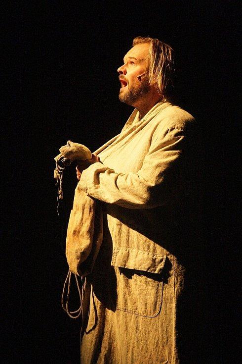 Muzikál Bídníci podle stejnojmenného románu Victora Huga v pondělí posté reprízovalo Městské divadlo Brno.