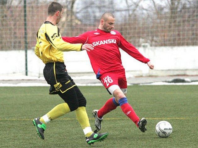 Polgár Peter Inter-Došek Tomáš Brno (v červeném)