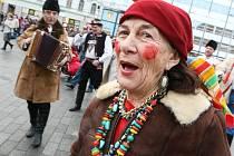 Masopustní veselice na náměstí Svobody v Brně.